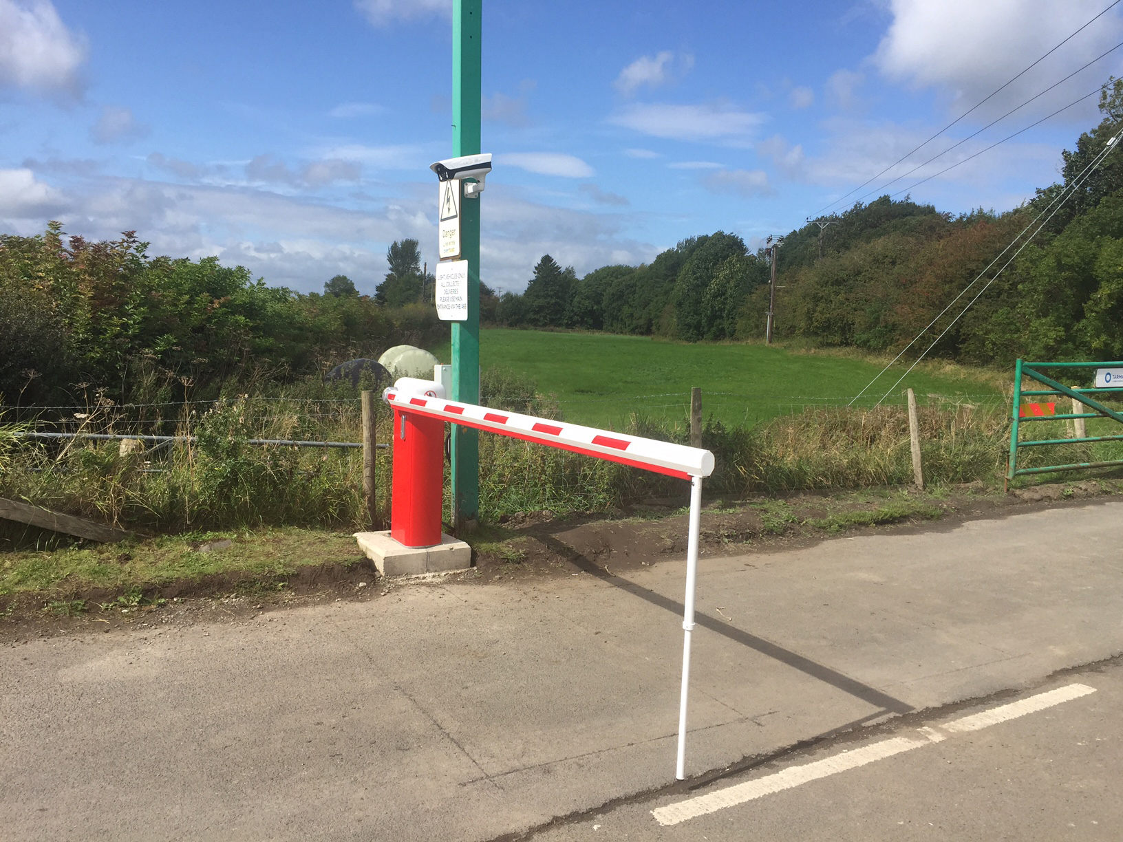 Automatic traffic barriers with anpr transport support